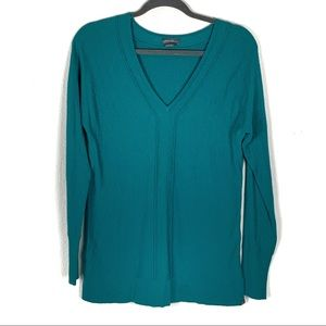 Eddie Bauer s fitted green sweater